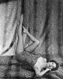 ava-gardner-pinup-girl-picture-634x800